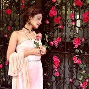 Her-Secret-Rose-Garden