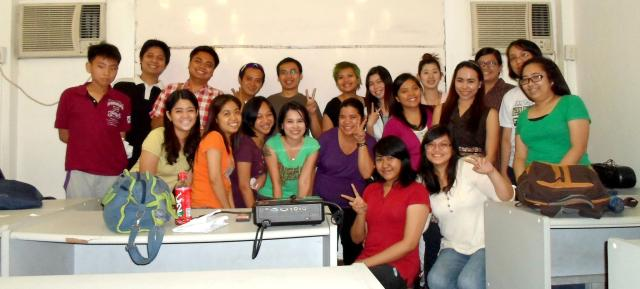 Almost-complete class photo. (^v^)